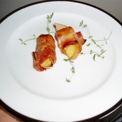 bacon wrapped apple (400x400)