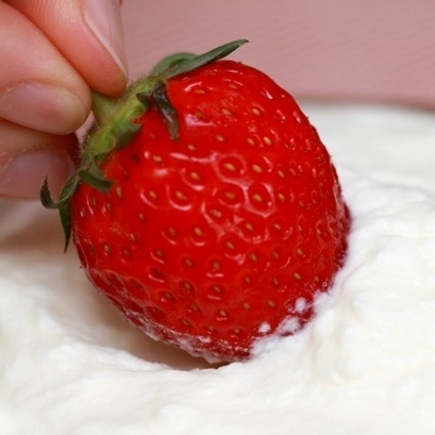 dipped strawberry (400x400)