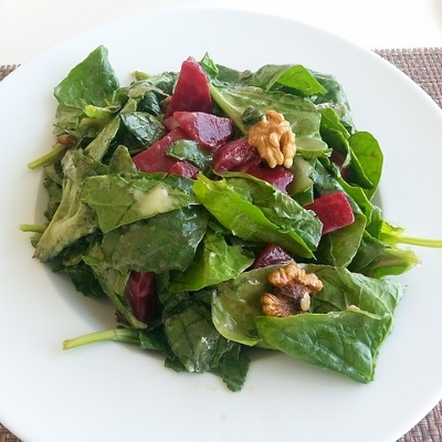 spinach salad plate (400x400)
