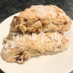 Scones with dates and pancetta