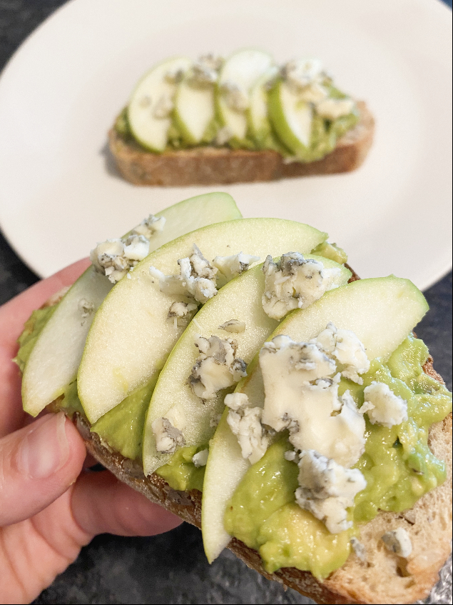 avocado toast with apples and blue cheese